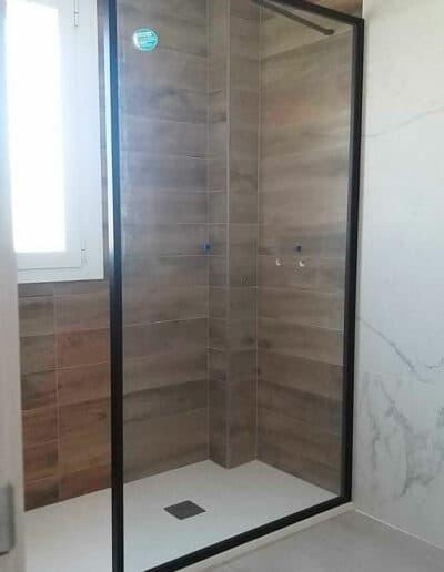installation-paroi-de-douche-fixe-noir-rh1894