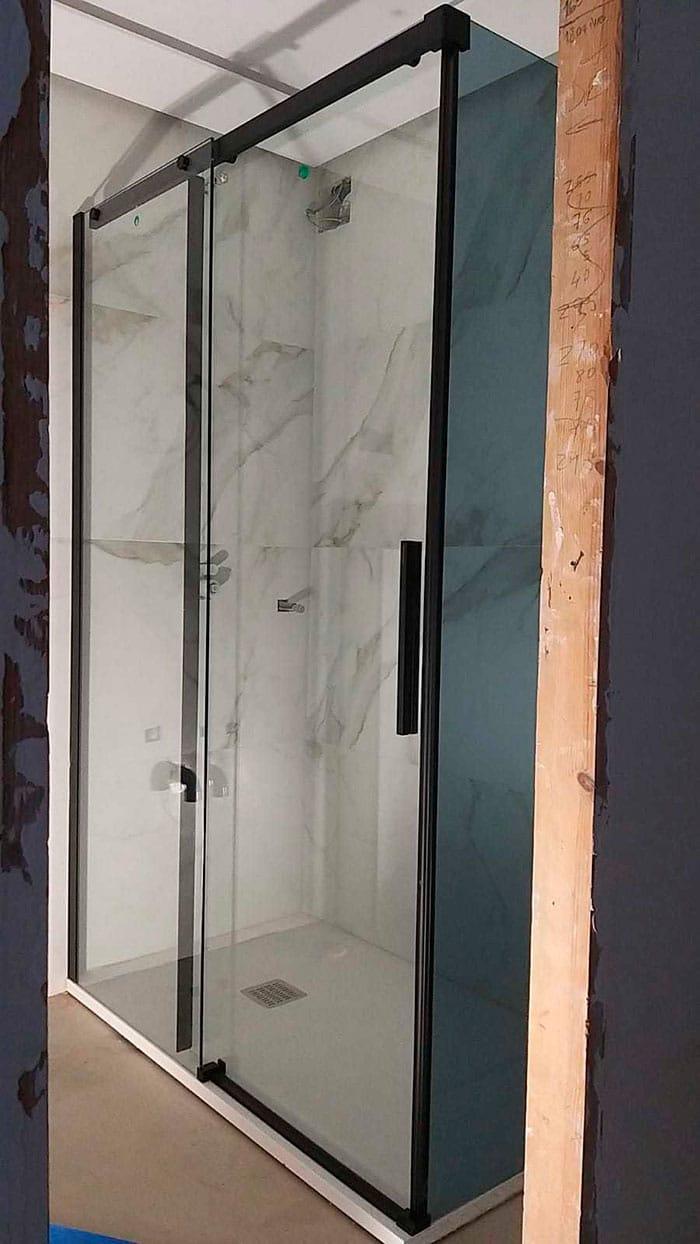 installation-paroi-de-douche-noir-rh1691ng