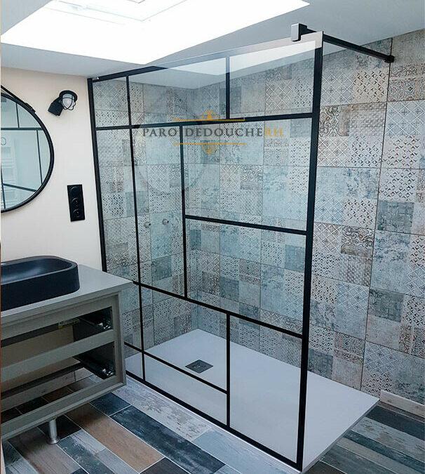 Parois de douche style verrière : des parois de style industriel qui donnent de la personnalité à votre salle de bain